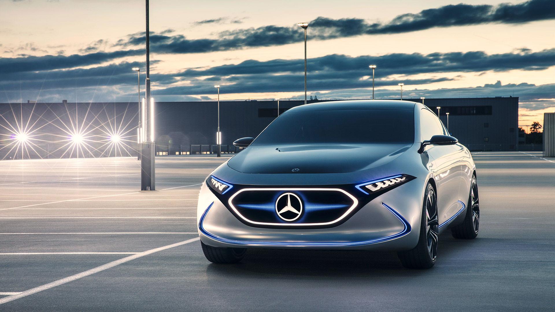 2017 Mercedes-Benz EQA Concept