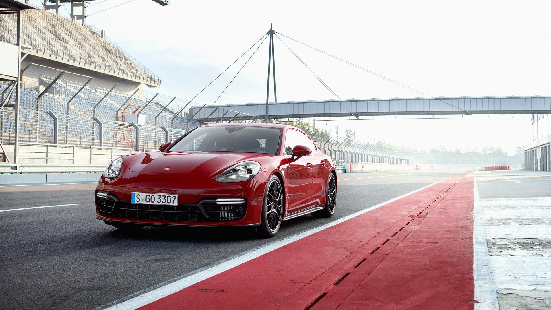 2019 Porsche Panamera GTS