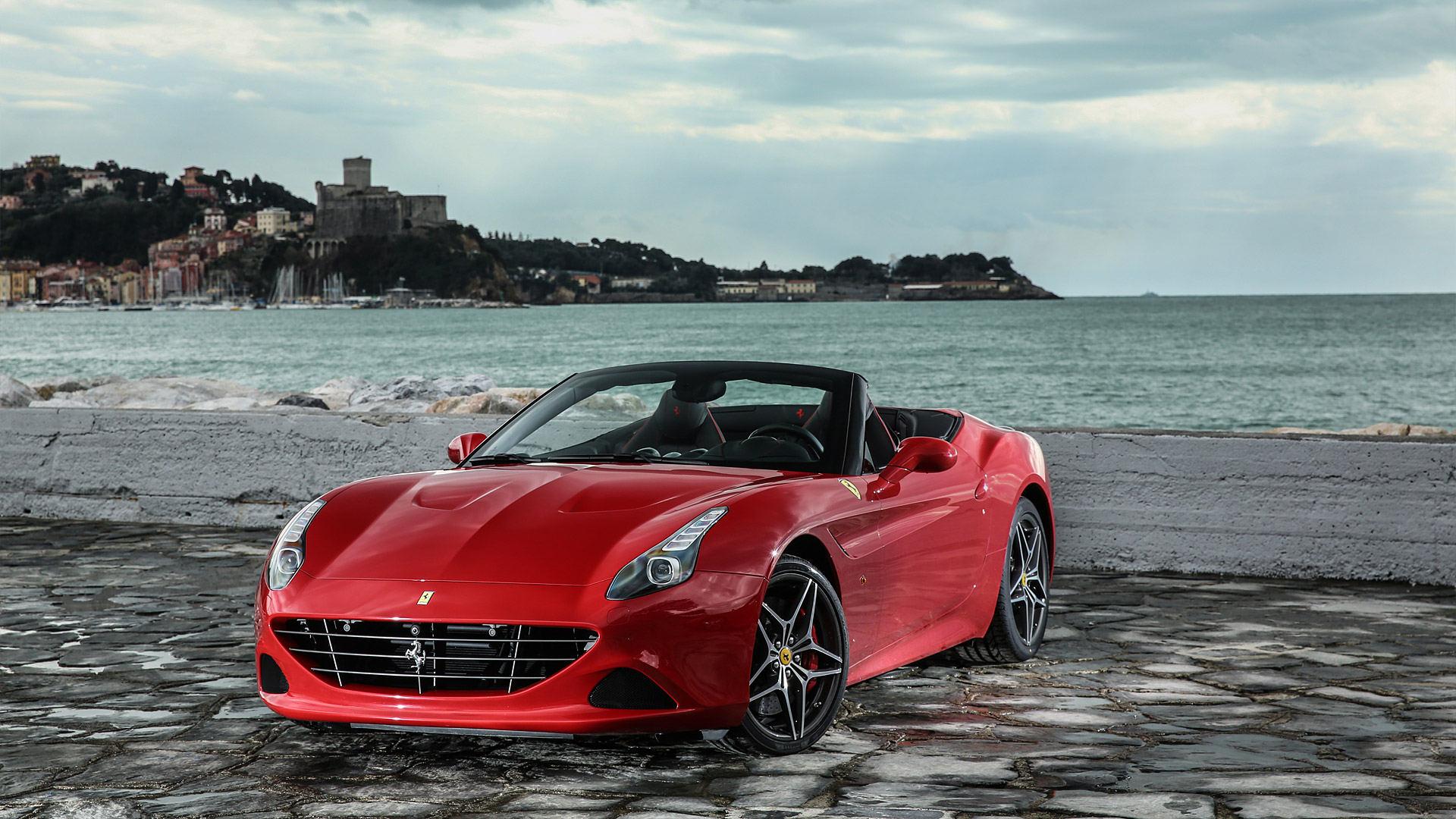 2016 Ferrari California T HS