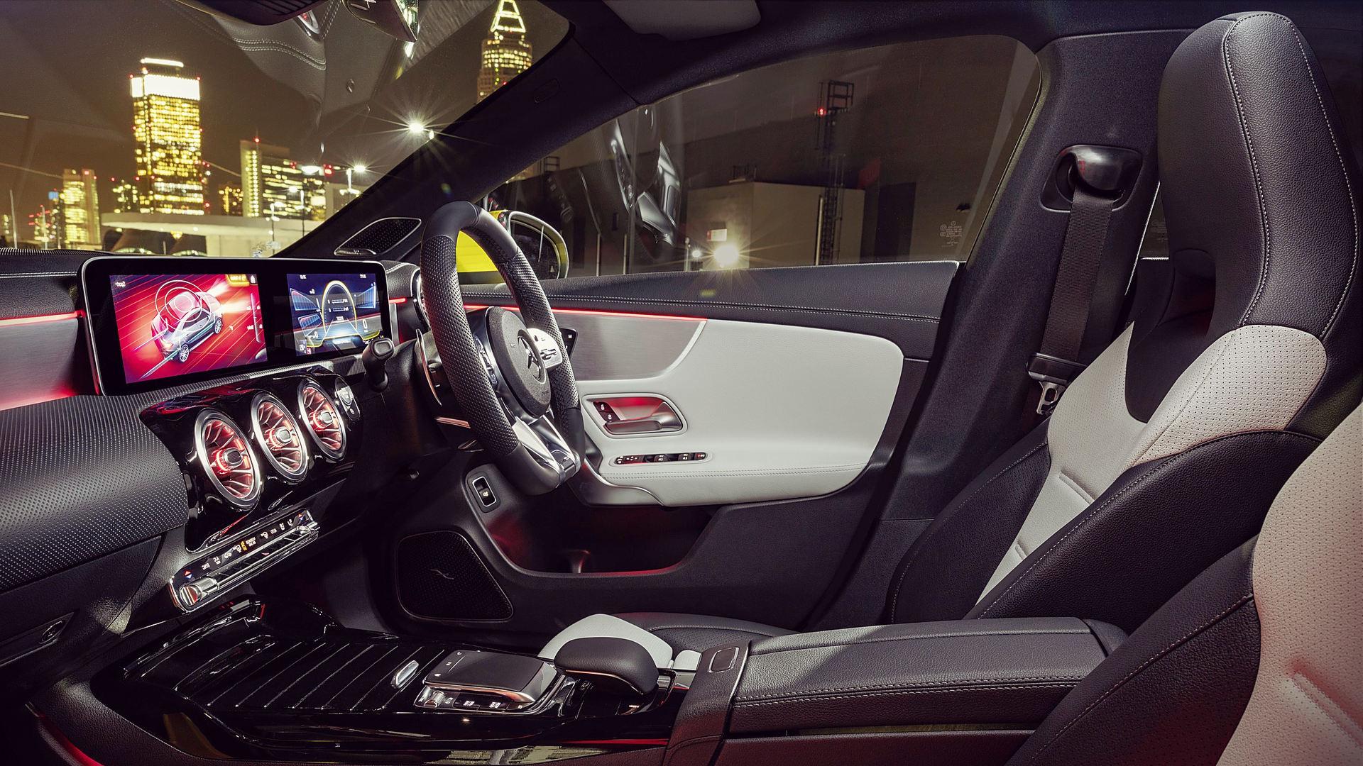 Mercedes Benz AMG CLA 35 2020