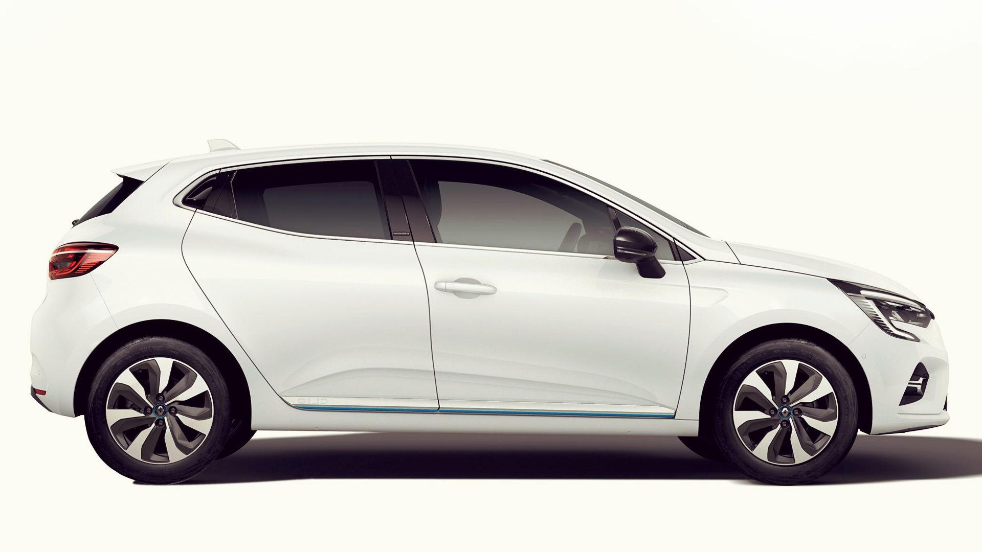 2020 Renault Clio Hybrid E-Tech Wallpaper