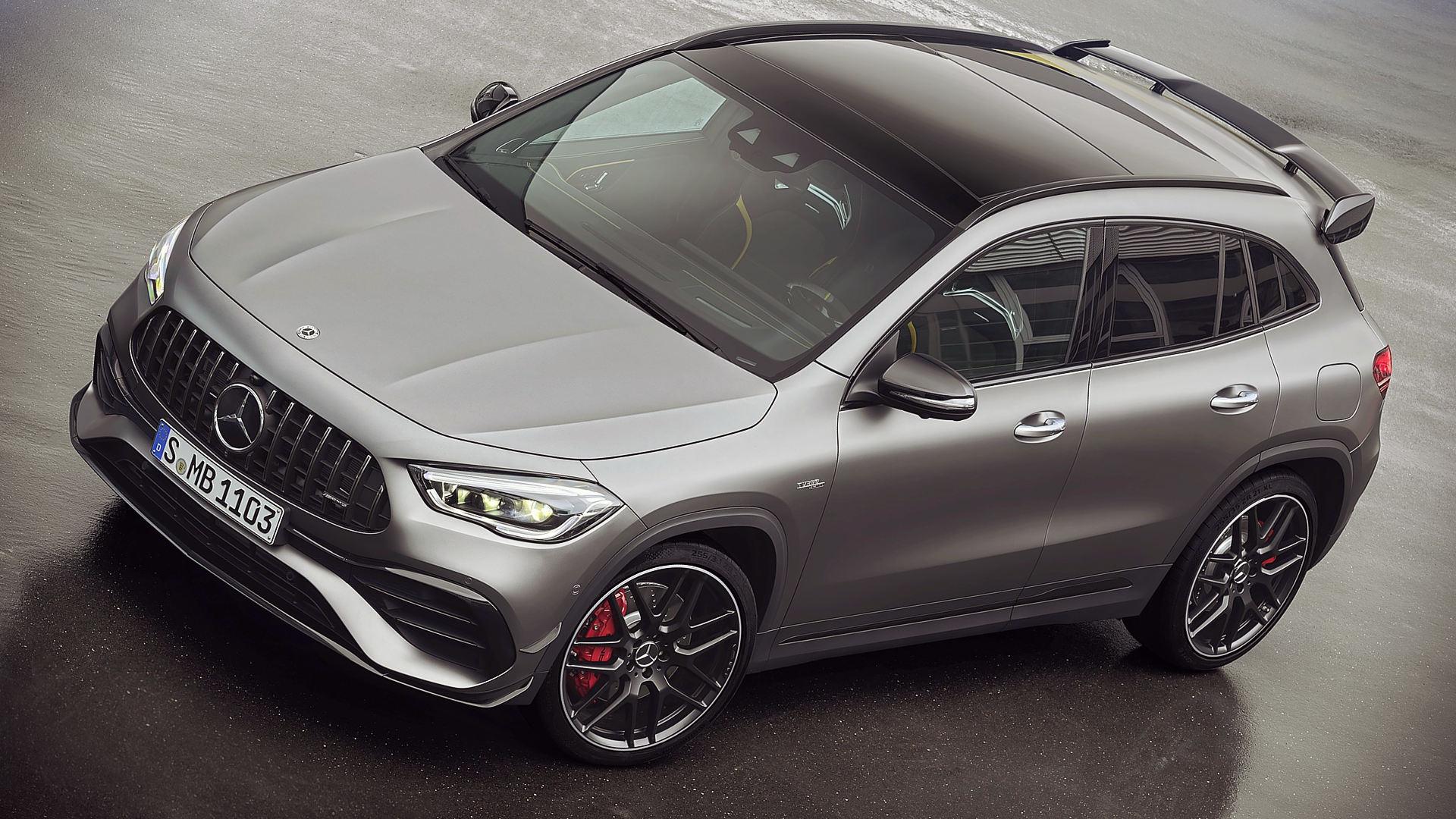Mercedes GLA 45 AMG 2021 Top Wallpaper