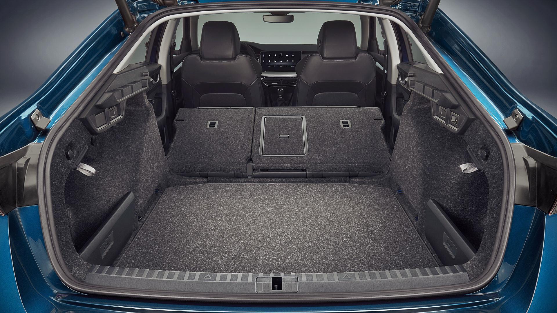 Skoda Octavia RS iV 2020 Trunk Wallpaper