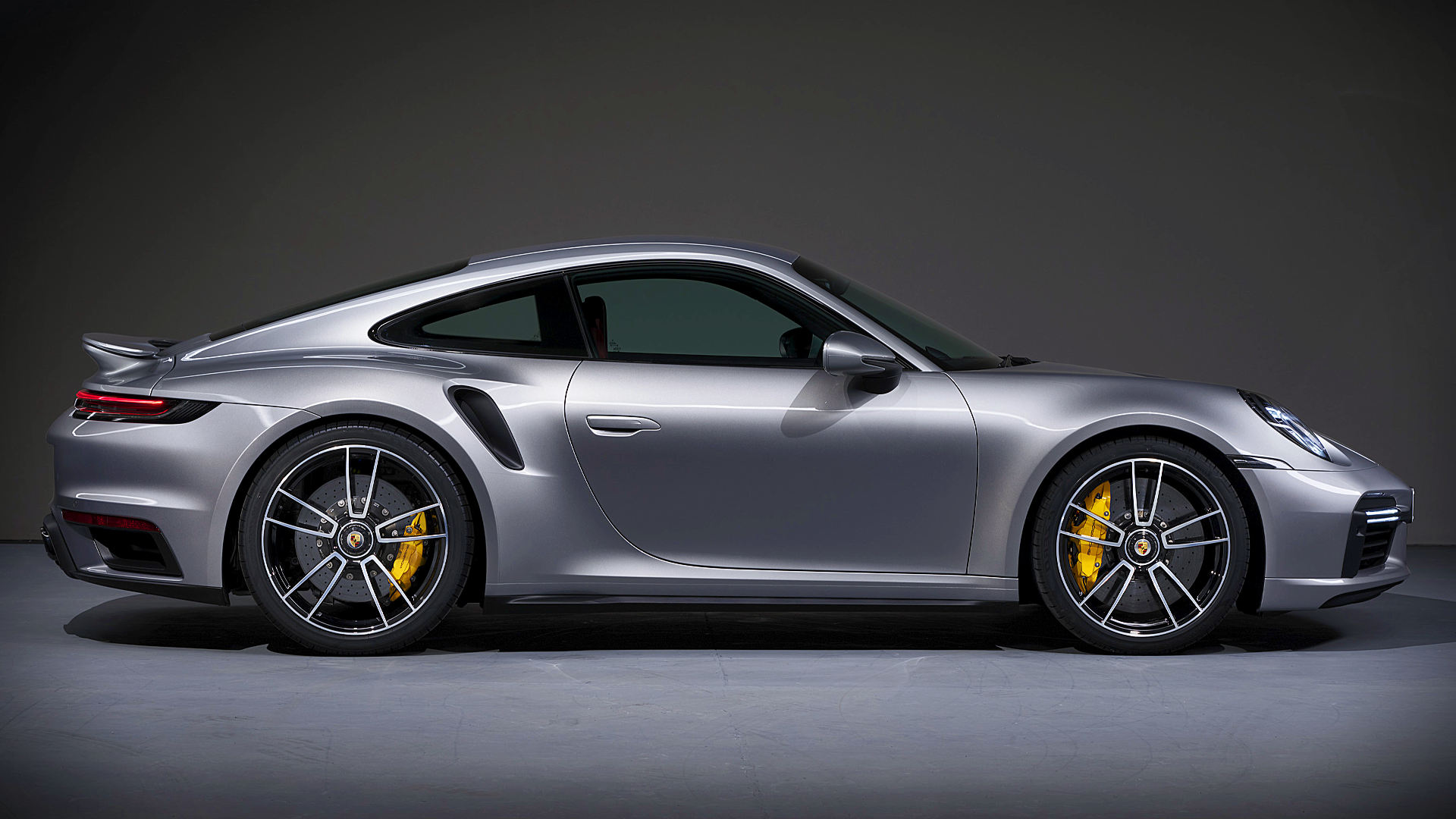 Porsche 911 Turbo S Coupe 2021 Wallpaper