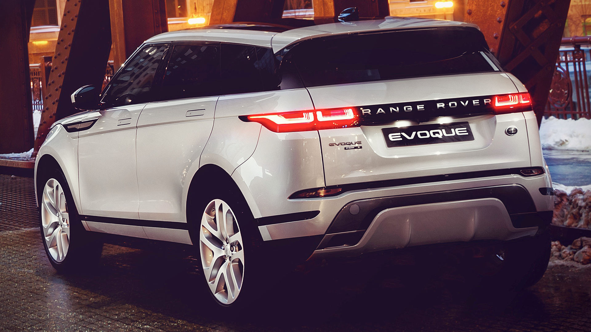 2020 Range Rover Evoque White Wallpaper