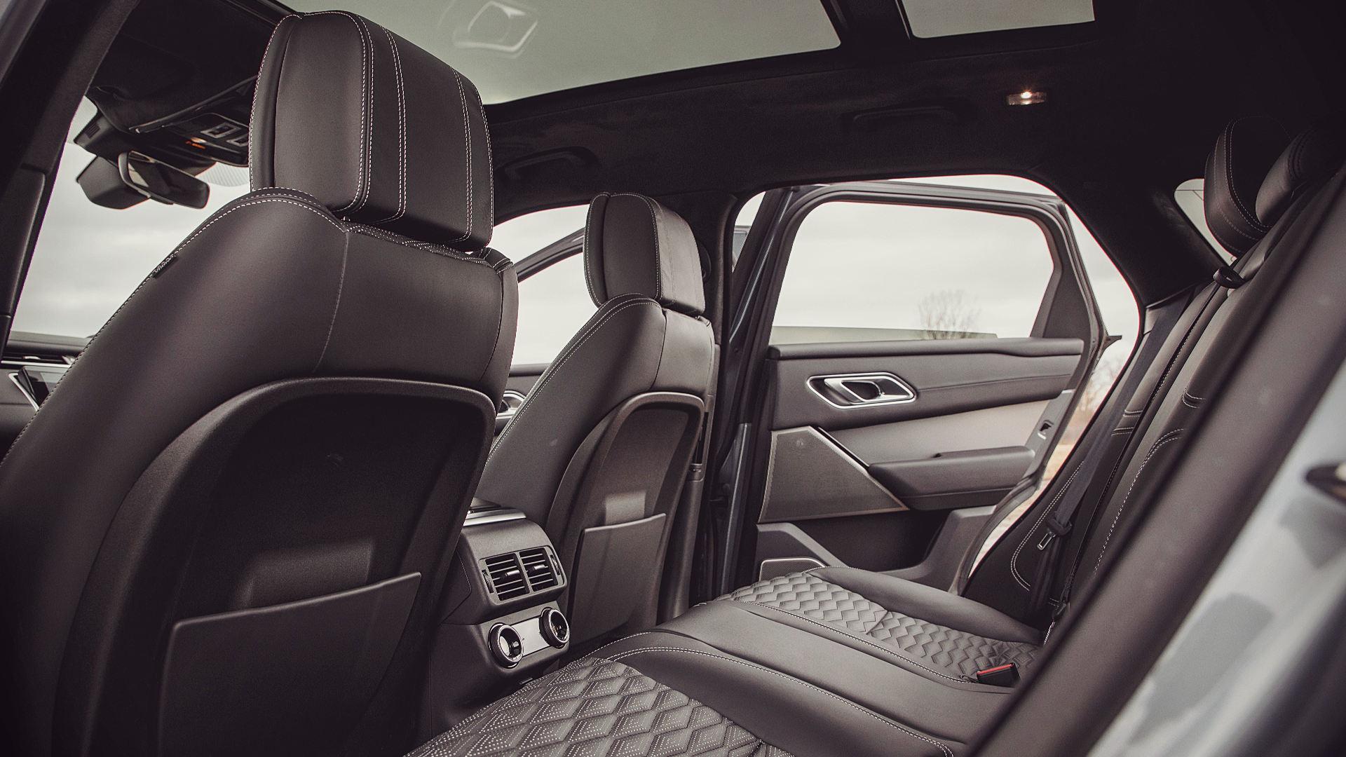 Range Rover Velar 2020  Dynamic Inside Pics