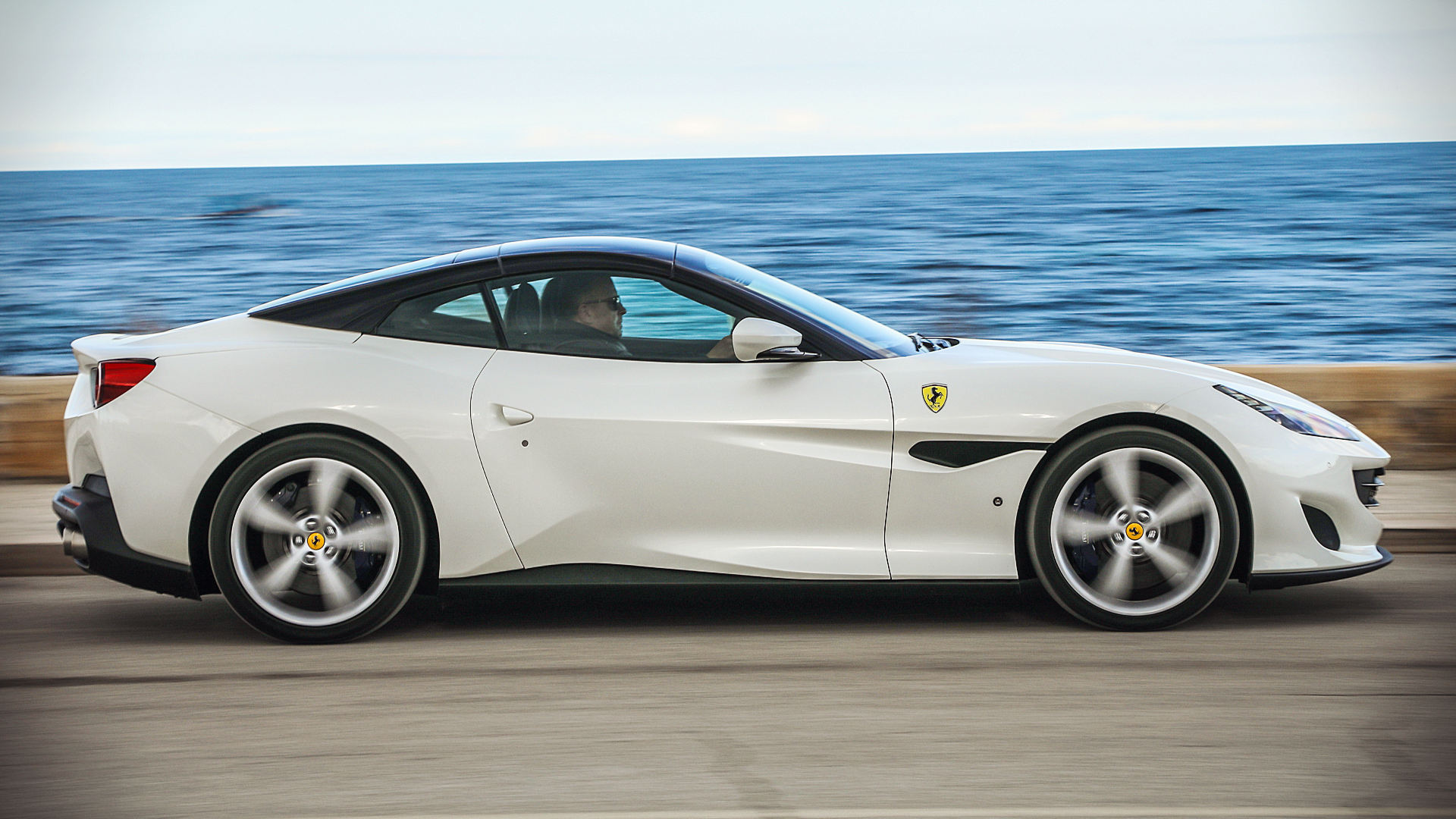 2018 Ferrari California White Wallpaper