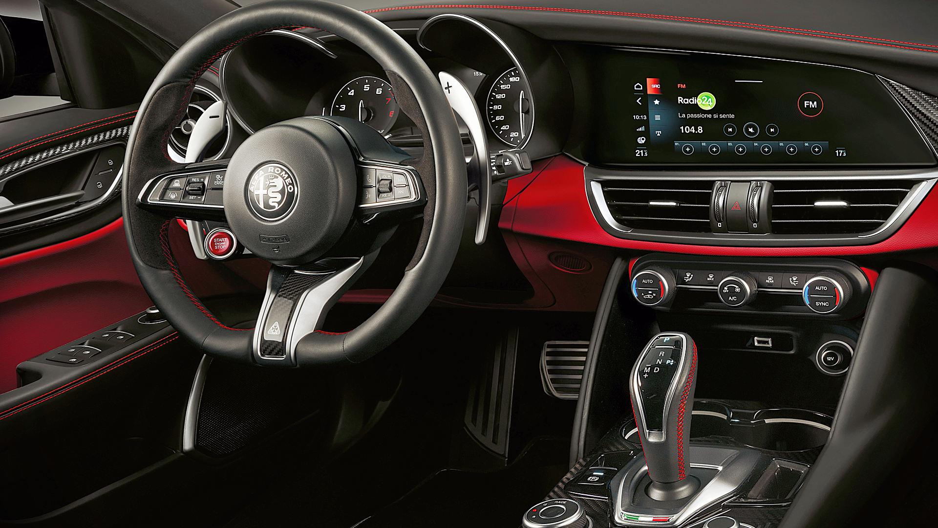 2020 Alfa Romeo Giulia Quadrifoglio Interior