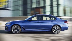 2021 BMW 5-Series 530 e xDrive Images