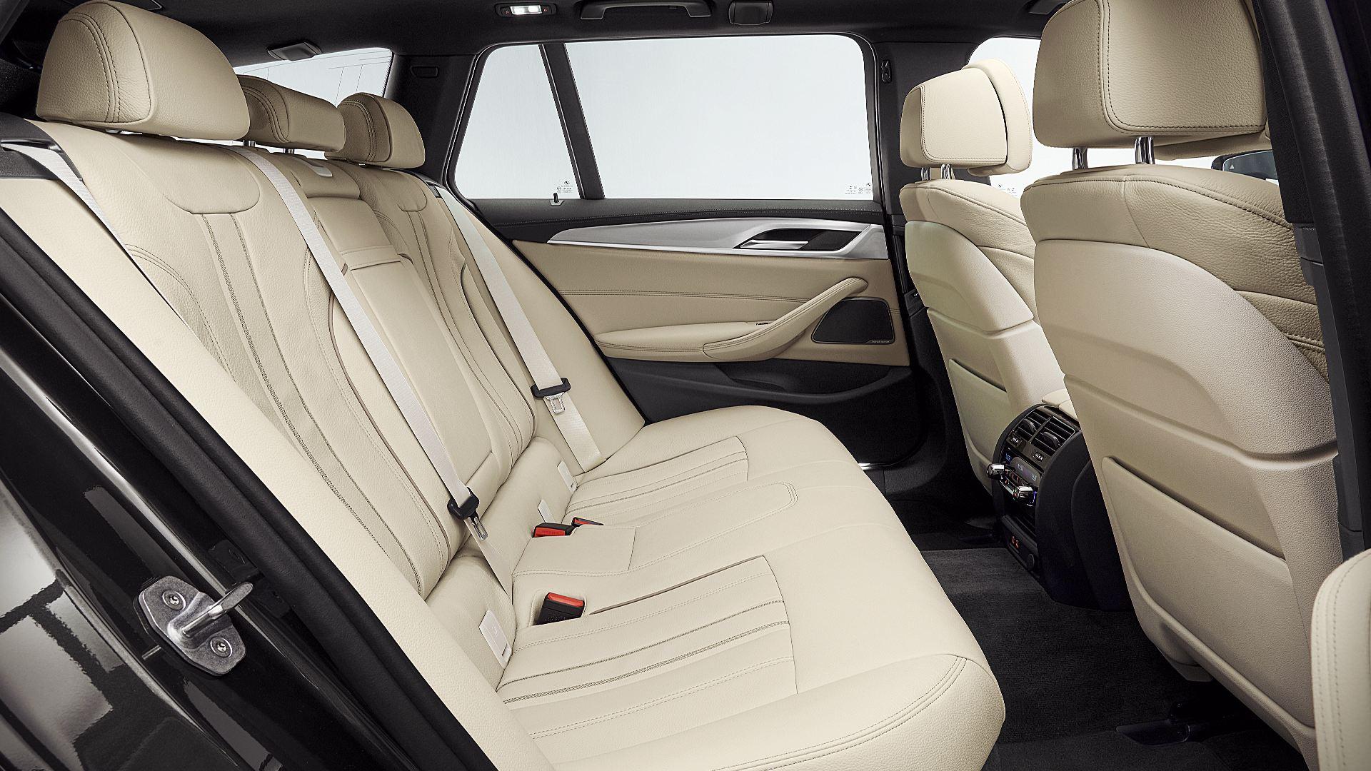 2021 BMW 5-Series 530i Interior