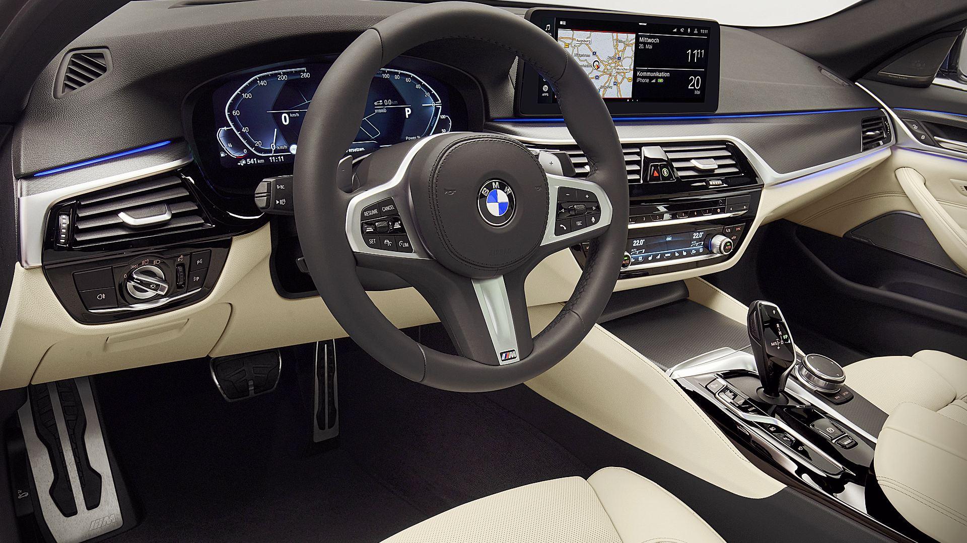 2021 BMW 530e xDrive Interior