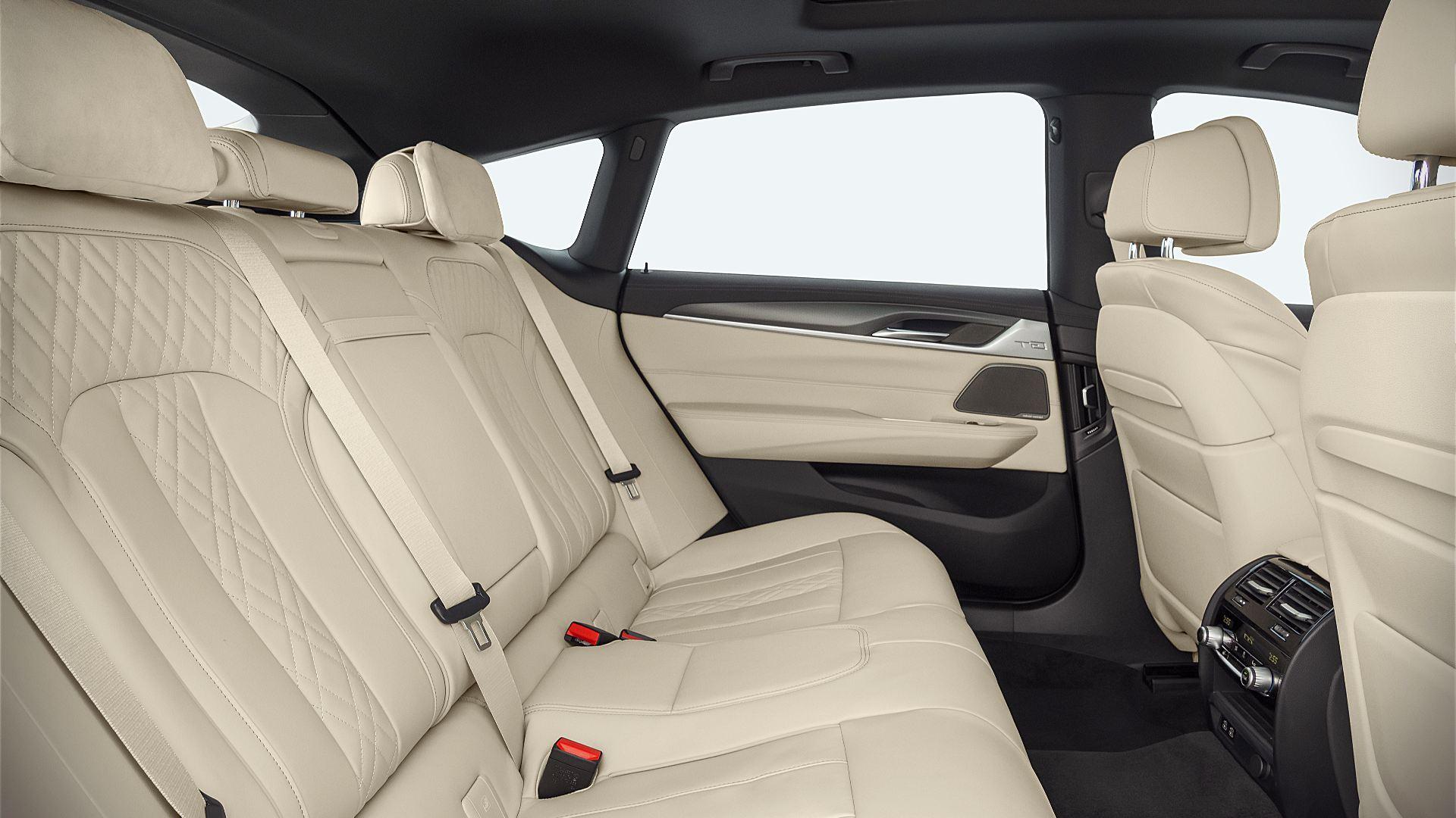 2021 BMW 6-Series Gran Turismo Interior