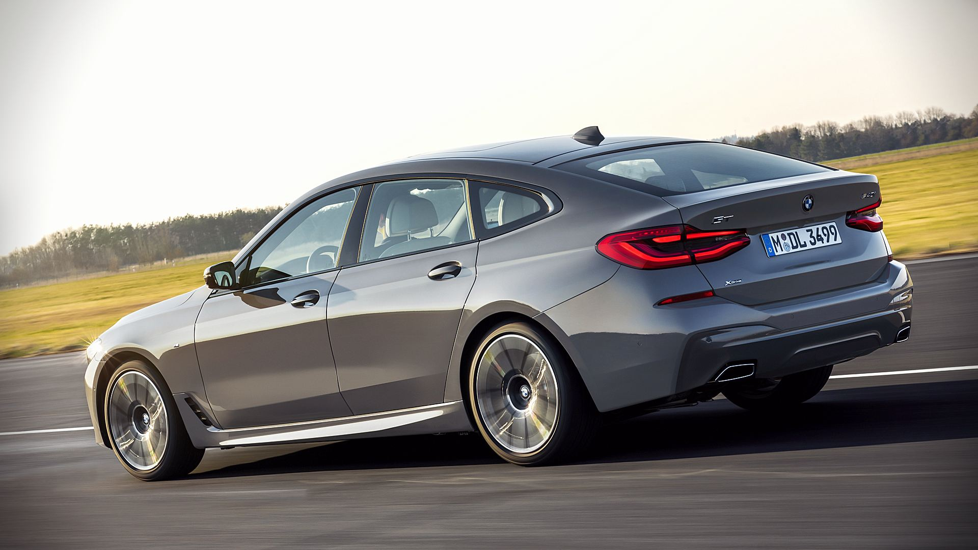 2021 BMW 6-Series GT Images Pictures