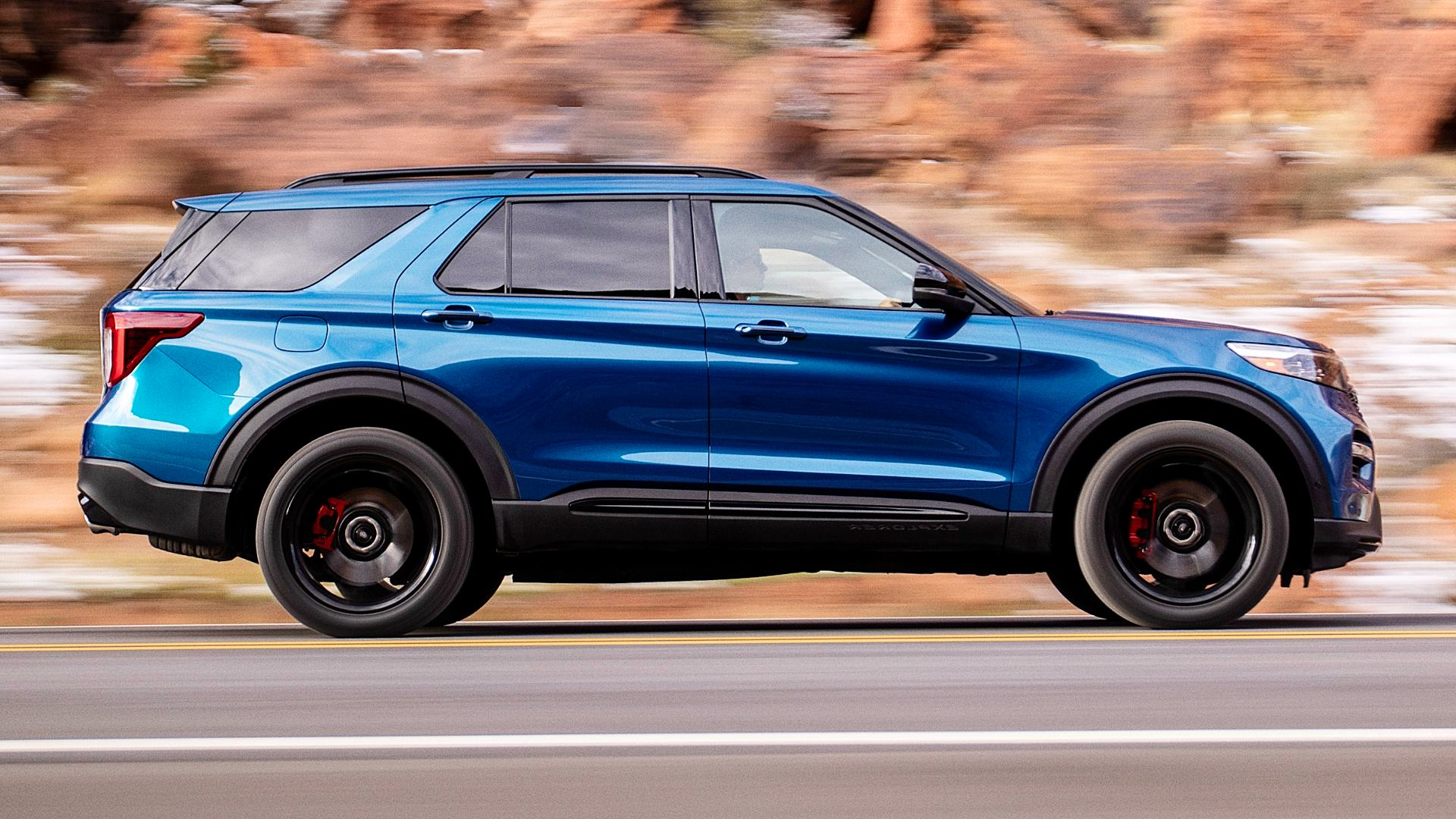 2020 Ford Explorer ST Pics Photos