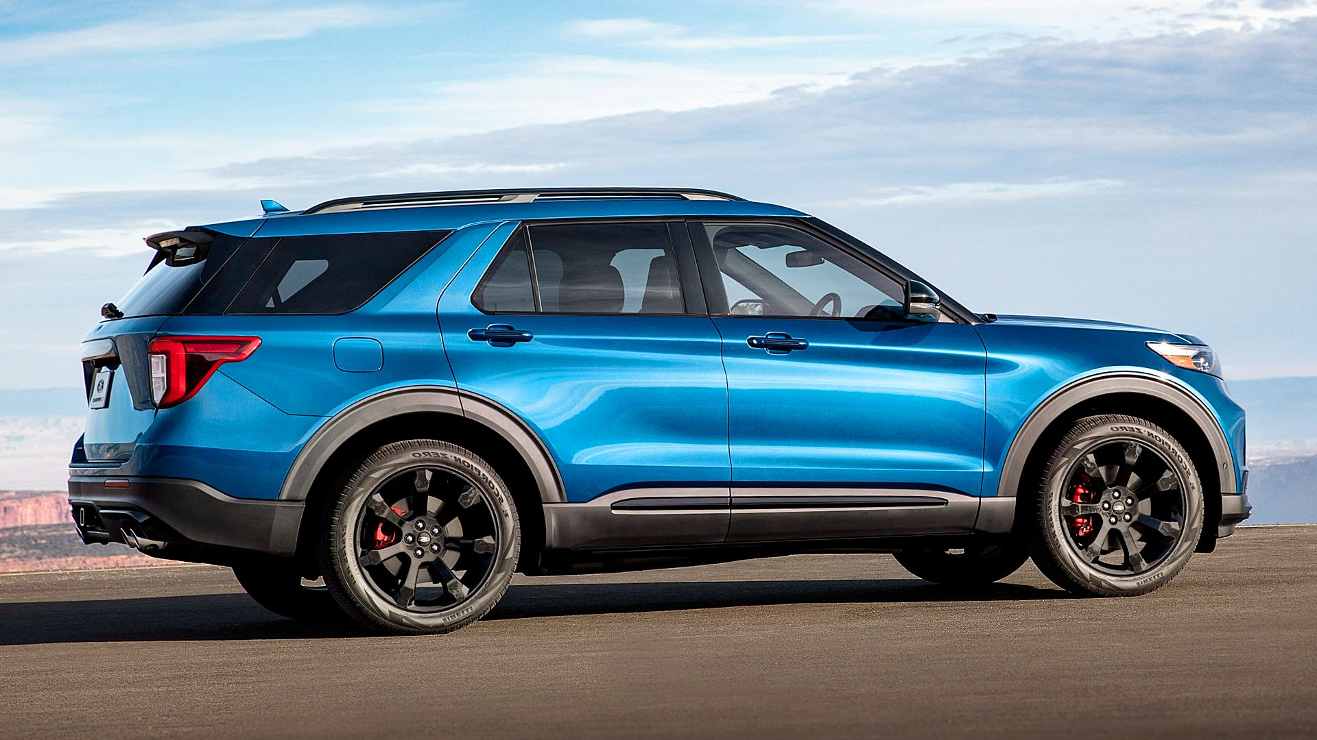 2020 Ford Explorer ST Blue Pictures