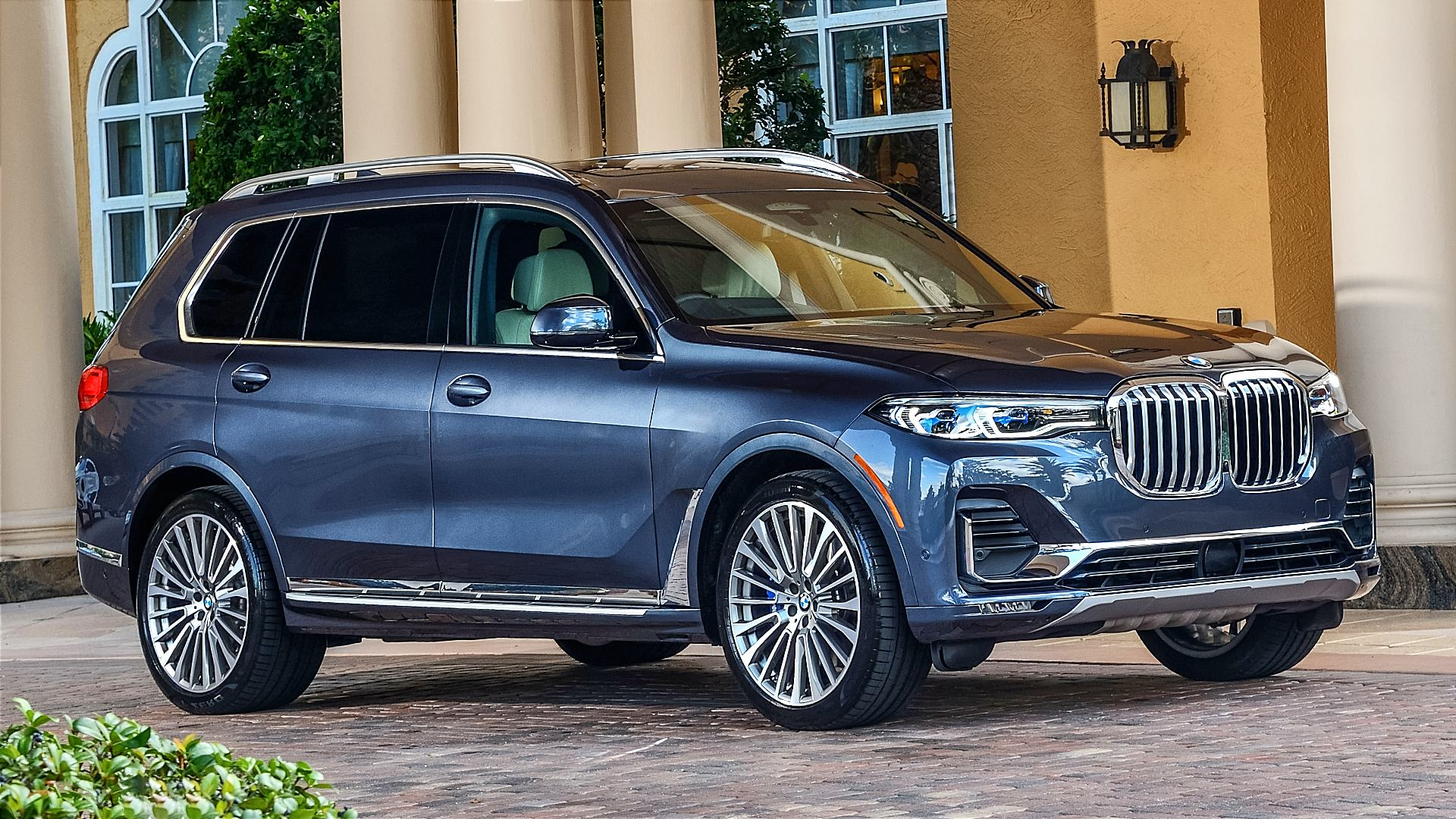 2020 BMW X7 xDrive40i Photos Images