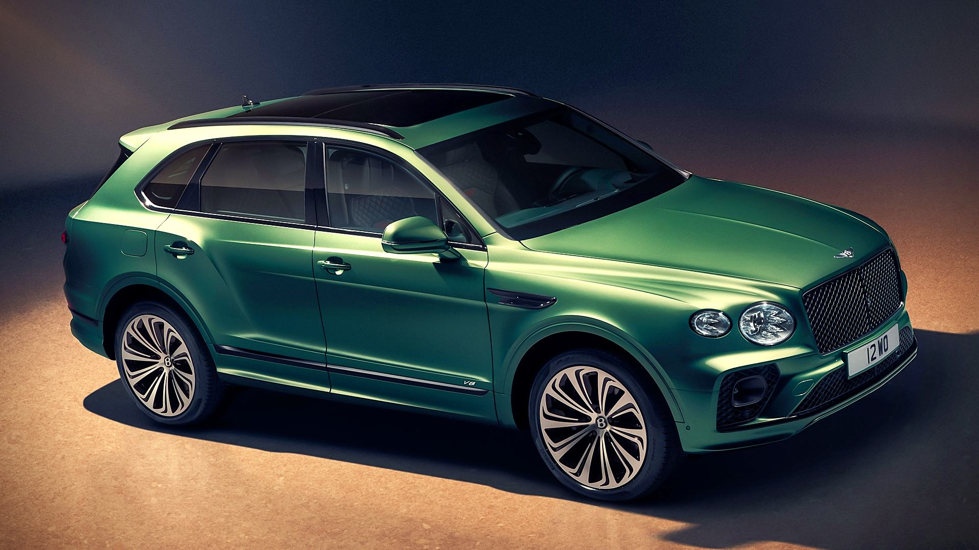 2021 Bentley Bentayga Green Pictures
