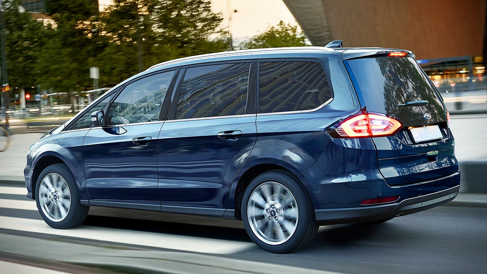 2020 Ford Galaxy Van Images