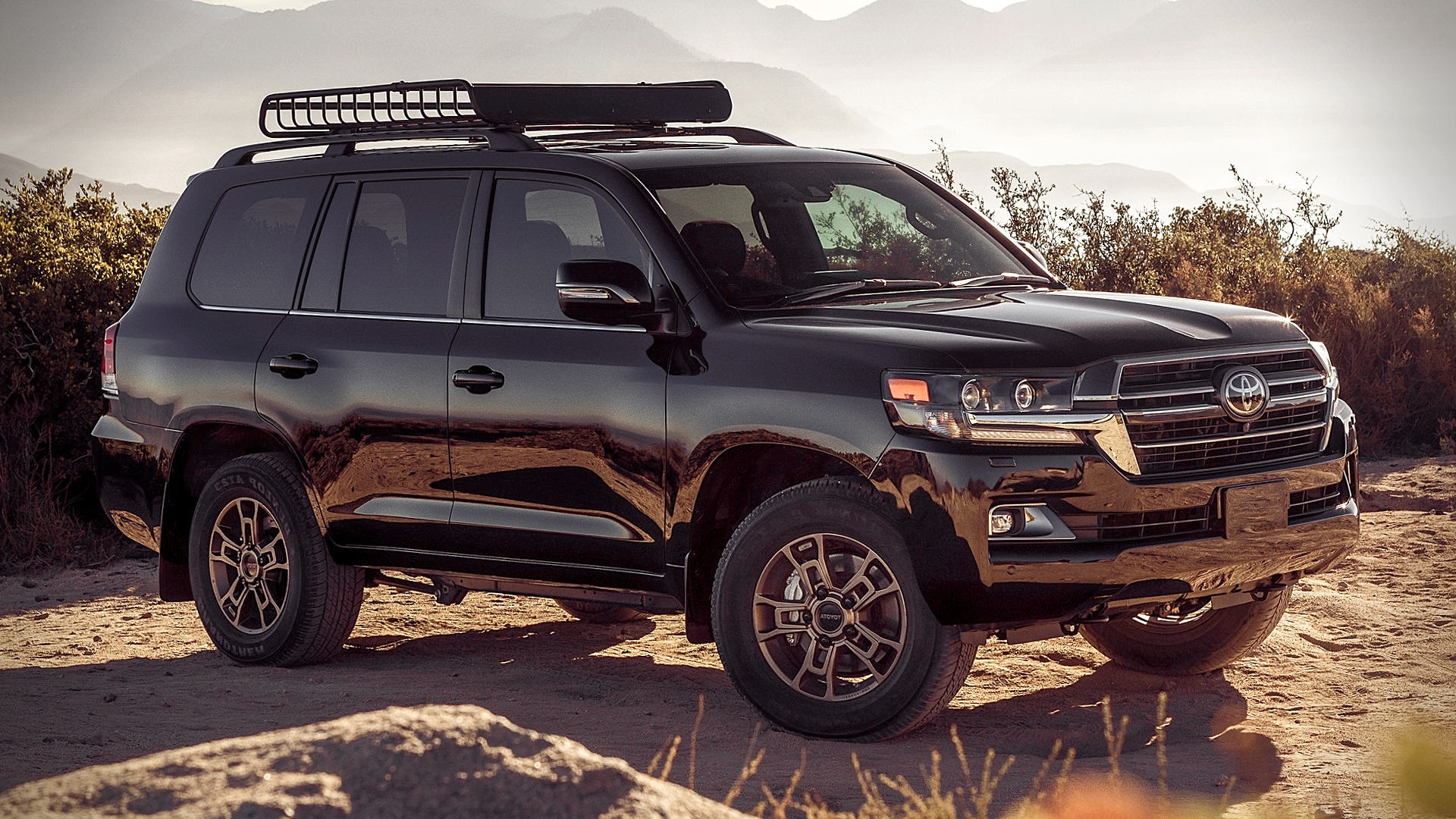2021 Toyota Land Cruiser Black SUV Pictures Photos