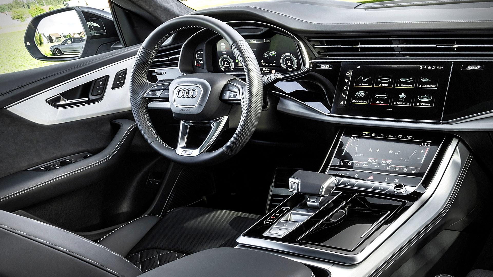 2021 Audi Q8 TFSI e Quattro Interior